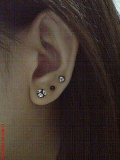 c236574cb 2nd and 3rd ear piercing Cool Piercings, Piercing Ideas, Body Piercing,  Piercing Tattoo