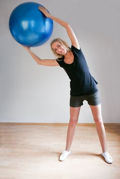 need: matt & exercise ball. breaking up your core workout into pieces that you can tack onto other workouts throughout the wk. This 15-minute core workout stands on its own, keeps your heart rate up & works your entire core, back & butt. superman series, exercise ball side bends, bicycle crunches, exercise ball crunches & pulses, v-ups,