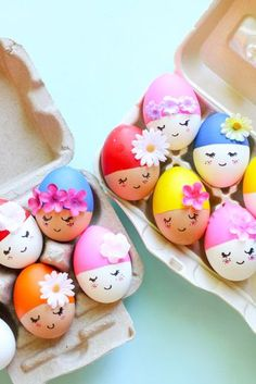These Crazy Easter Egg Designs are So Inspiring , Creative Easter Egg Decorating Ideas for Spring at SheKnows: Handmade Charlotte& pool party Easter eggs. Easter Arts And Crafts, Easter Egg Crafts, Easter Eggs, Easter Decor, Crafts For Girls, Diy For Kids, Kids Crafts, Dyi Crafts, Creative Crafts