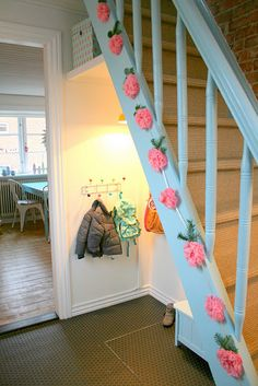 Under the stairs love the light ans the kids can reach the hooks. Lovw the box on the high shelf for gloves and scarves Under Steps Storage, Coat And Shoe Storage, Stair Storage, Under Stairs, Interior Design Living Room, Sweet Home, Bedroom Decor, New Homes, Scarves