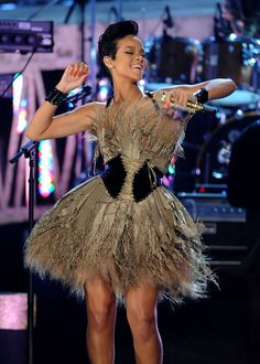 Feb 10, 2008: Rihanna performs in Zac Posen at the 50th Annual Grammy Awards.