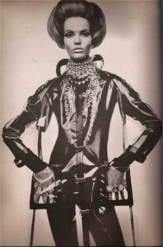 Space age VERUSCHKA, 1960s model, mod, vintage fashion.