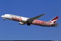 "Qantas Boeing 787-9 Dreamliner VH-ZND ""Emily Kame Kngwarreye"" departing London-Heathrow, April 2018. Special ""Yam Dreaming"" livery. (Photo: Helmut Schnichels)"