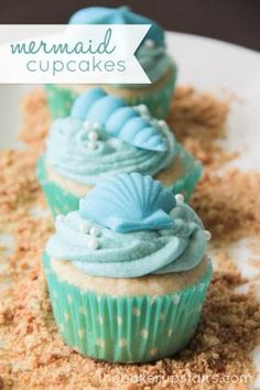The Baker Upstairs made these lovely Mermaids and Pirates Cupcakes. Cute cupcakes as these one will be hit at every kids party. Mermaids cupcakes for little Little Mermaid Birthday, Little Mermaid Parties, The Little Mermaid, Little Mermaid Cupcakes, Cupcake Recipes, Cupcake Cakes, Cupcake Toppers, Cute Cupcakes, Beach Cupcakes
