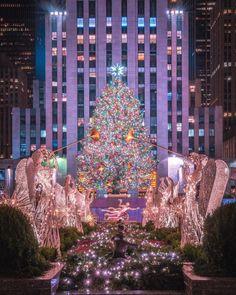 christmas has officially begun by 212sid nyc newyork newyorkcity manhattan