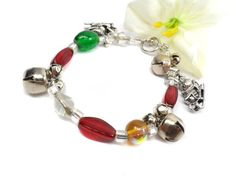 Christmas Bracelet Jingle Bells Red and Green by ABeadedStory