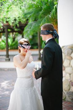 Blindfolds ~ an alternative to a First Look ;) Photography by hazelnutphotography.com