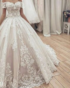 Gorgeous Lace Ball Gown Wedding Dresses 2019 Sweetheart Off The Shoulder Appliques Lace Up Back Muslim Bride Wedding Gowns Wedding Dress Trends, Princess Wedding Dresses, Elegant Wedding Dress, Wedding Dress Styles, Dream Wedding Dresses, Bridal Dresses, Wedding Gowns, Backless Wedding, Modest Wedding