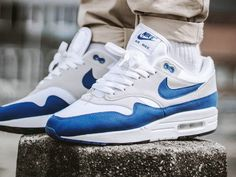 Nike Air Max 1 OG Anniversary - Game Royal/White - 2017 (by maikelboeve) Nike Shoes For Sale, Nike Free Shoes, Running Shoes Nike, Best Sneakers, Air Max Sneakers, Sneakers Fashion, Sneakers Nike, Air Max 1 Og, Sneaker Women