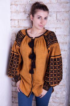 Embroidery On Kurtis, Kurti Embroidery Design, Embroidery Dress, Moda Rural, Balochi Dress, Ukrainian Dress, Recycled Dress, Modest Wear, Fashion Design Drawings