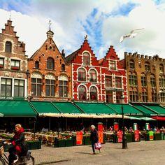 Bruge's main plaza #belgium #bruge