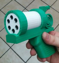 College Student Designs & 3D Prints a Working Semi-Automatic Revolver http://3dprint.com/93148/3d-printed-semi-automatic-gun/