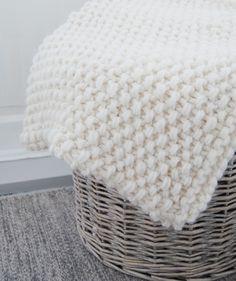 Forelsket i livet: Da er strikkeprosjektet mitt ferdig: vognteppe!