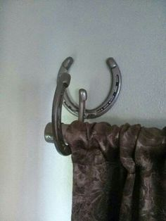 Horseshoe Hook/Curtain Rod Holder