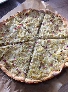Zwiebelkuchen, ein beliebtes Rezept aus der Kategorie Tarte/Quiche. Bewertungen: 138. Durchschnitt: Ø 4,5.