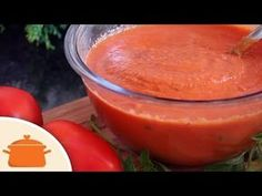 """Molho de Tomate Saboroso Pense num molho fácil de fazer e muito saboroso! Esse!!! O fato dele ir ao forno dá um toque especial e os sabores ficam bem concentrados. Pode deixar dar uma """"tostadinha"""" por cima que …"""