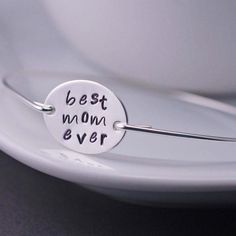 Best Mom Ever Bangle Bracelet - Mom Christmas Gift by georgiedesigns