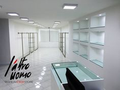 laltrouomo fashion concept store E' nato un nuovo spazio all'interno del nostro store rigorosamente white e soprattutto minimal dedicato ai brands di ricerca e alla cerimonia. Strutture espositive semplici ed essenziali dove l'importante è il capo piuttosto che il contenitore.
