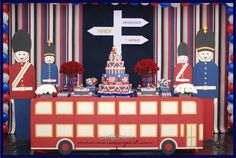 London Calling First Birthday {Boy Party Ideas} - Spaceships and Laser Beams-The Amazing deco London Theme Parties, London Party, Themed Parties, Birthday Party Desserts, Boy Birthday Parties, Union Jack, Paddington Bear Party, England Party, British Party