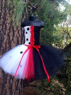 Disney Cruella Deville Costume | Cruella Deville inspired tutu dress with hair clip - Disney's 101 ...