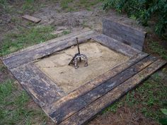Plans, dimensions, official sizing and step by step advice for how to build a horseshoe pit in your yard, just in time for more summertime fun!