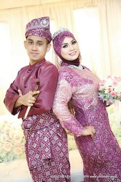 ♥ Malay Wedding Dress, Wedding Dresses, Sequin Skirt, Sequins, Skirts, Fashion, Bride Dresses, Moda, Skirt