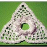 Triangle crochet pattern