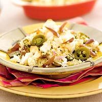 favo recept - Couscous met dadels, jalapeñopepers en witte kaas. Extra toevoegen: paprika, courgette, evt koriander, citroen/limoen. Minder toevoegen: pepers (vooral in de kookfase van couscous).