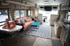 Genius Rv Hacks Remodel Makeover Ideas Make Living Rv Awesome, A truck camper is a huge adventure ride. Next you can find a truck camper. Even in the event that you don't need to go super minimalist, you might dis. Tiny House, Up House, Rv Living, My Living Room, Outdoor Living, Tiny Living, Glamping, Rv Interior, Interior Ideas