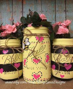 Bumble bee decor hand painted mason jar by rosylunadesigns on etsy so marth Mason Jar Gifts, Mason Jar Diy, Jar Crafts, Bottle Crafts, Mason Jar Projects, Jar Art, Decorated Jars, Painted Mason Jars, Handmade Crafts