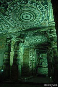http://www.shunya.net/Pictures/South%20India/Ajanta/AjantaCaves66.jpg