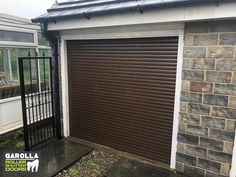 Electric garage doorGarolla garage door lockers specialize in the installation of electric garage doors. We have a fantastic collection of roller shutters that you can see by clicking the link today! garagedoorideas garagedoordesign garagedoordecor I Brown Garage Door, Garage Door Paint, Garage Door Panels, Garage Door Decor, Garage Door Makeover, Garage Door Design, Garage Door Opener, Electric Garage Doors, Door Locker