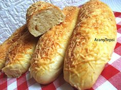 AranyTepsi: Sajtos stangli Hot Dog Buns, Hot Dogs, Bread Rolls, Bread Recipes, Bakery, Food, Rolls, Eten