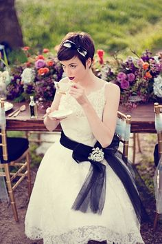 黒がポイントのリボン♡ <花嫁の髪型ショートの参考一覧>