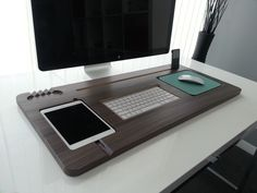 Make your office desk look less cluttered and more organized with this…
