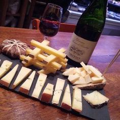 La Vache dans les Vignes - Cheese and wine for dinner! - Paris, France 75010