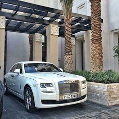 House of cars Dubai. Rolls Royce Dubai, G Class, Bmw I8, Love Car, Limousine, Hot Cars, Cars And Motorcycles, Luxury Cars, Super Cars