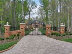 Driveway Entrance Gates | Beautiful Driveway Designs and Creative Ideas