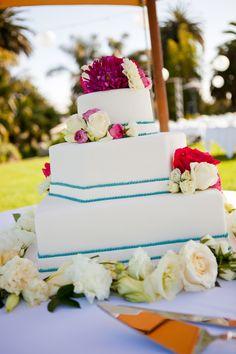 Beach wedding cake (Jihan Abdalla Photography)