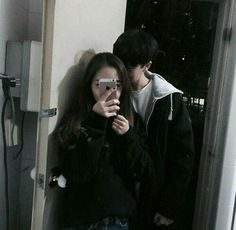 Image uploaded by Park Hyori. Find images and videos about love, couple and korean on We Heart It - the app to get lost in what you love. Ulzzang Couple, Ulzzang Girl, Cute Korean, Korean Girl, Parejas Goals Tumblr, Japonese Girl, Couple Goals Cuddling, Asian Love, Korean Couple