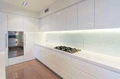 Caesarstone Quartz and Concetto Gallery Ikea Kitchen, Kitchen Interior, Kitchen Design, Minimal Kitchen, Kitchen Modern, Country Kitchen, Kitchen White, Cozy House, Home Kitchens