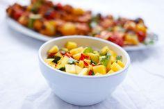 Det er lett å forstå hvorfor mango er en av verdens mest populære frukter. Søt og saftig med deilig smak. Mangosalsa er kjempegodt til grillmat, eller hvorfor ikke prøve en ny vri på fredagstacoen? Her får du en enkel og god oppskrift på mangosalsa. Enkel og god mangosalsa Hvor mange? En liten skål – tilbehør ...read more → Norwegian Food, Fruit Salad, Cantaloupe, Bbq, Vegetarian, Barbecue, Barbacoa, Fruit Salads