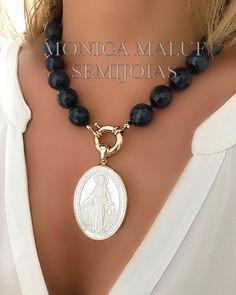 Royal Jewelry, Pearl Jewelry, Gemstone Jewelry, Gold Coin Necklace, Diy Necklace, Necklaces, Jade Azul, Jewelry Crafts, Handmade Jewelry