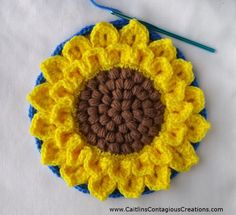 Crocodile Stitch Sunflower Square Crochet Pattern Tutorial with Pictures This fun and easy tutorial will help you create a crochet square you can use for many things Create yours today Caitlin s Contagious Creations Easy Knitting Projects, Easy Knitting Patterns, Crochet Projects, Crochet Patterns, Crochet Sunflower, Crochet Flowers, Crochet Leaves, Knitting Needle Conversion Chart, Free Crochet