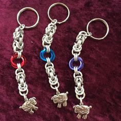 Happy Ewes Byzantine Chainmaille Keychain red by KnittersNook