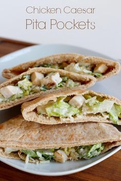 Chicken Caesar Pita Pockets for Dinner. I love a good pita pocket sandwich. But I also love a good chicken caesar salad. So I thought it would be a winning combination to serve them both together, yum! It's perfectly paired with these pita pockets! Healthy Recipes, Lunch Recipes, Healthy Snacks, Healthy Eating, Cooking Recipes, Dinner Healthy, Recipes With Pita Bread, Easy Recipes, Cooking Bacon