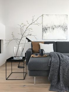 Living in winter: The most beautiful living and decoration ideas from January - Einrichtung - Wohnzimmer Living Room Remodel, Home Living Room, Apartment Living, Living Room Designs, Living Room Decor, Decor Room, Modern Room Decor, Room Decorations, Modern Bedroom