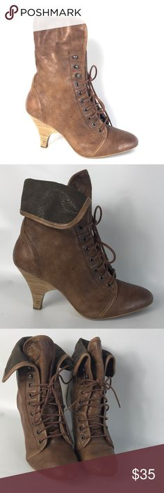 Steve Madden brown cute booties size 9 Condition 8/10, normal amount of scuffs around both shoes from normal wear, nothing too big or too noticeable, some water stains, need to be polish and they are good to go. Size 9 , brown hotties , heel height 3.5', if you have any questions or you want to request more pictures, don't hesitate to ask me. Thank you Steve Madden Shoes Ankle Boots & Booties