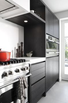 Jvd keukens moderne massief eiken keuken apparatenwand met miele jvd maatwerk keukens - Eigentijdse houten keuken ...