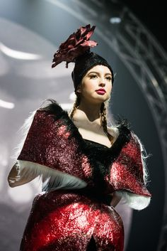 B&E '' Electrofashion Show '' '' The Power of Being an Alien '' avant- garde fashion part. Captured by Nendrė Žilinskaitė.